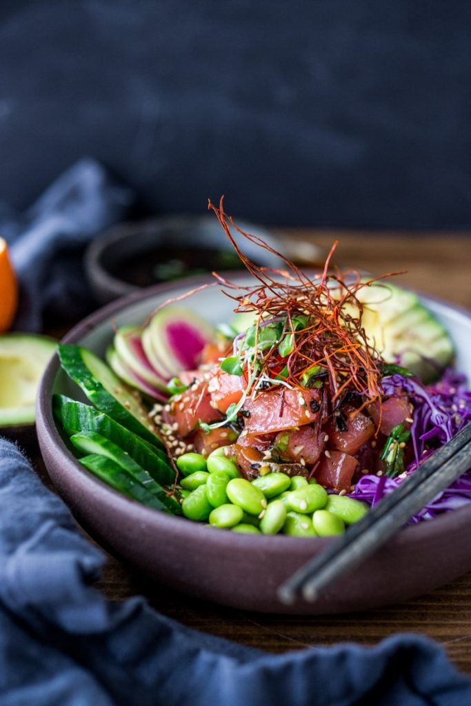 pokebowl (pokai) du restaurant bolibol de rouen : saumon avocat feves